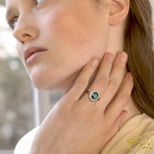 مدل انگشتر یاقوت سبز زنانه و الماس تراش برلیان